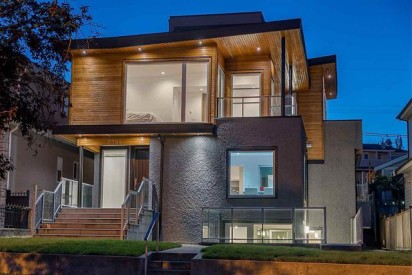 Vancouver East Side Luxury Detached Housing Market
