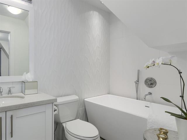 master bedroom ensuite mount pleasant half duplex