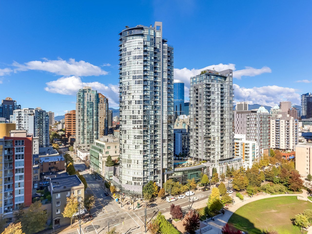 View of downtown vancouver from Eden condo